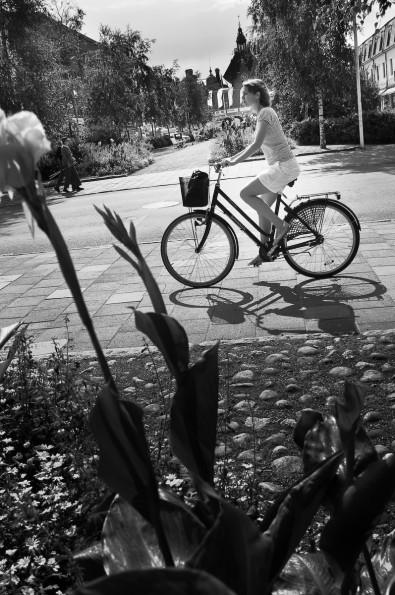 Cyklist, Skolgatan, Umeå. Fotograf Lars-Göran Norlin